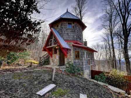 Уютный сказочный дом