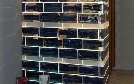 Использование стеклянных кирпичей в интерьере