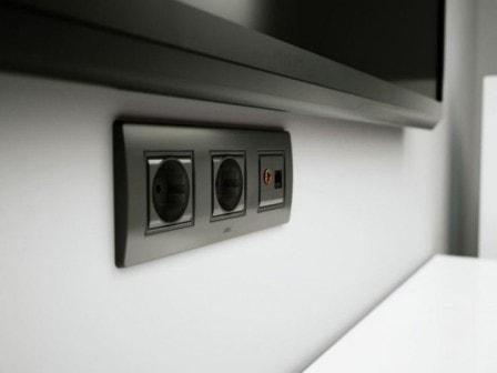 Качественная электрическая розетка - какая она?