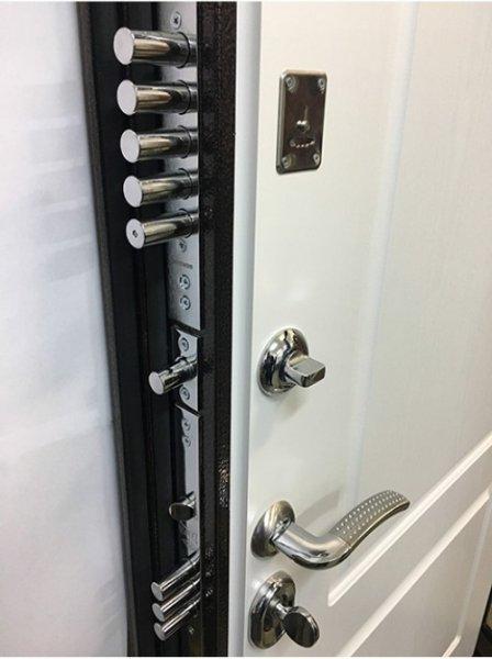Дверь Ратибор