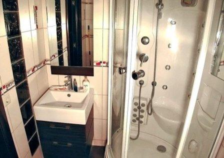 Оснащение ванной комнаты душевой кабиной