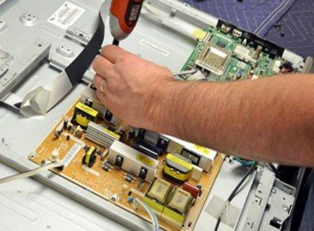 Компания «В ремонт!» ремонтирует телевизоры всех марок на дому у клиента!