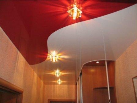 Спайка натяжных потолков двух и более цветов