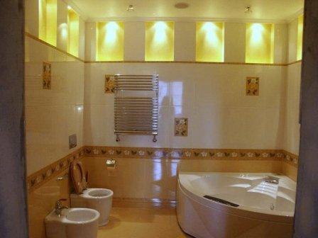 Оригинальное оформление ванной комнаты - фото
