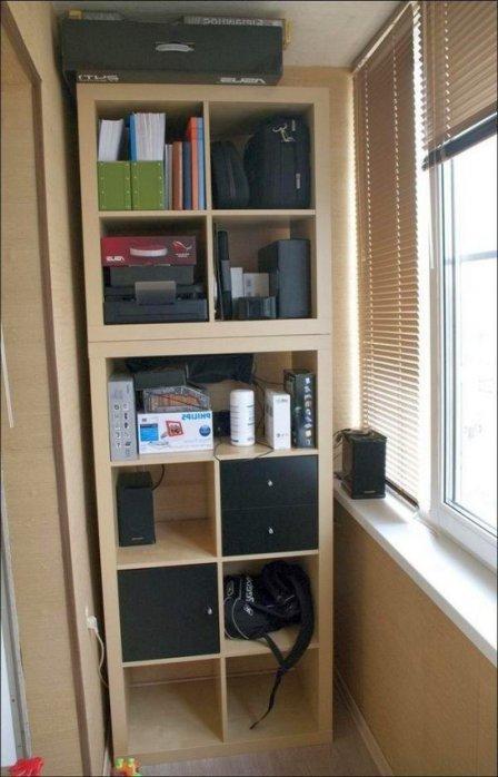 Хранение вещей на балконе - фото