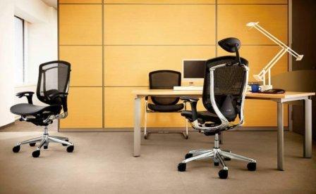 Выбираем офисные кресла для персонала или секреты правильного выбора мебели