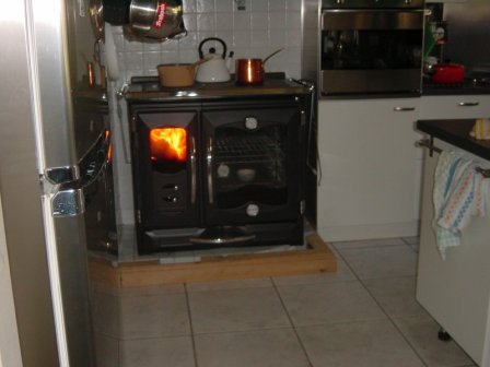 Отопительно-варочная печь в доме