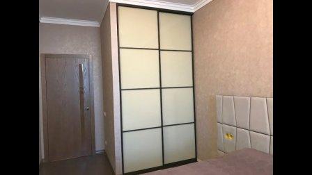 Встроенные шкафы-купе в современном интерьере
