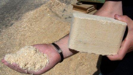 Как делают топливные брикеты из опилок