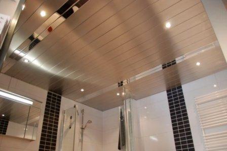 Реечный подвесной потолок: конструкция и выбор элементов