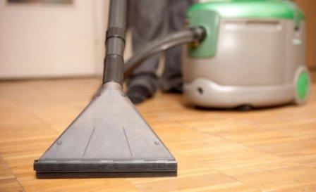 Какой моющий пылесос выбрать для паркета и ламината?