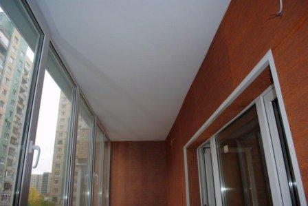 Натяжные потолки в комнате без отопления