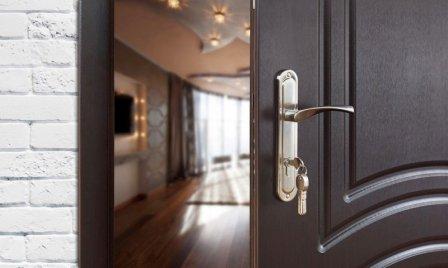Входная дверь в квартиру: как выбрать?