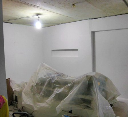 Как подготовить комнату перед установкой натяжного потолка